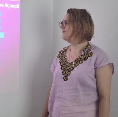 Dr. Elena-Irina Macovei